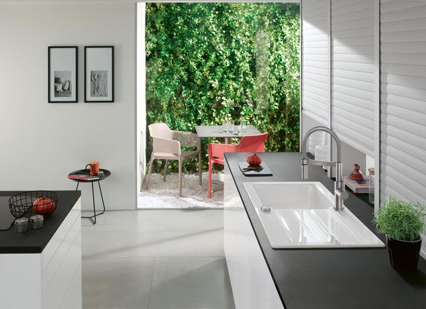 Villeroy & Boch Steel Expert Compact Kitchen Mixer & Architectura Ceramic Sink